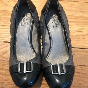 Life stride flats with buckle size 9